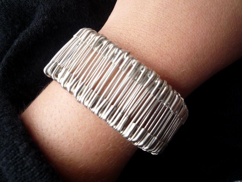 braceletpingle.jpg